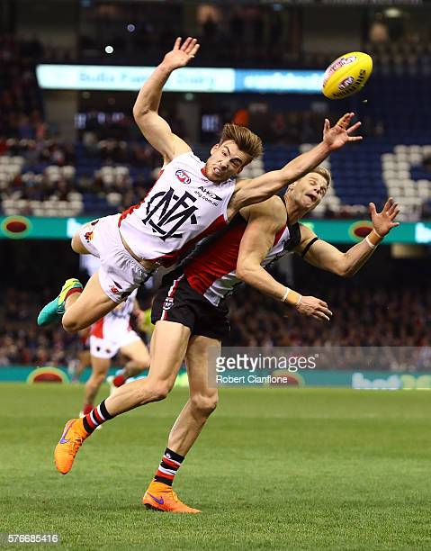 Jack Viney of the Demons challenges Nick Riewoldt of the Saints during the round 17 AFL match between the St Kilda Saints and the Melbourne Demons at...