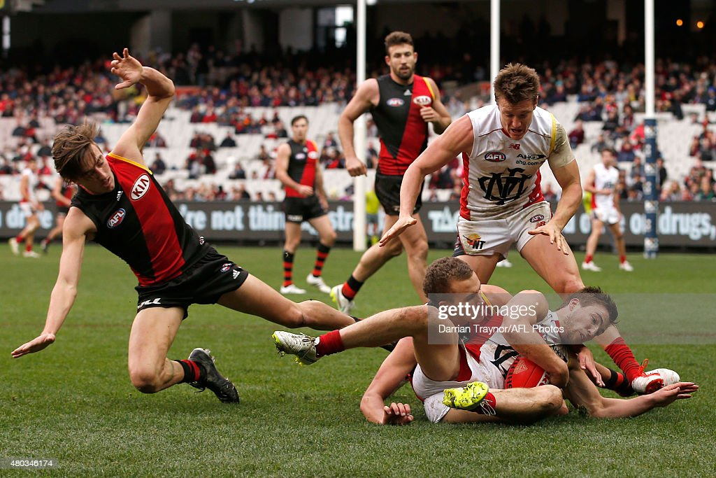 AFL Rd 15 - Essendon v Melbourne