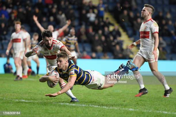 Jack Walker of Leeds Rhinos scores his sides fourth try during the Betfred Super League match between Leeds Rhinos and Hull Kingston Rovers at...