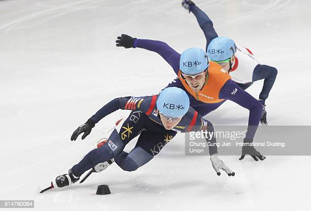 Jack Whelbourne of Great Britain Park SeYeong of South Korea and Freek van der Wart of Netherlands compete in the Men 500mHeats during the ISU World...