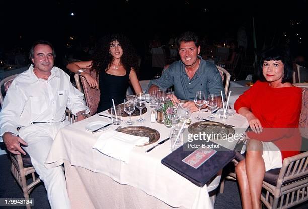 Jack White mit Ehefrau Janine EhepaarMonika und Udo Lichtenecker Big Island/Hawaii/Amerika/USAUrlaub Ausflug zum Nachbar Hotel HapunaBeach Prince...