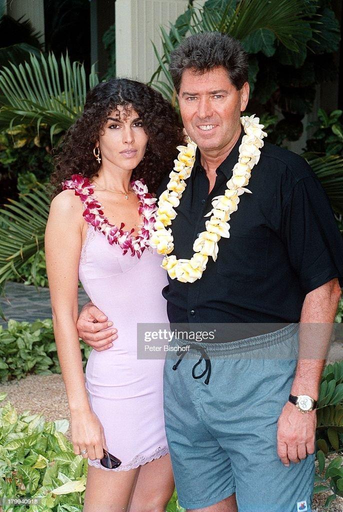 Jack White mit Ehefrau Janine im Hotel \'Mauna Kea Beach Hotel ...