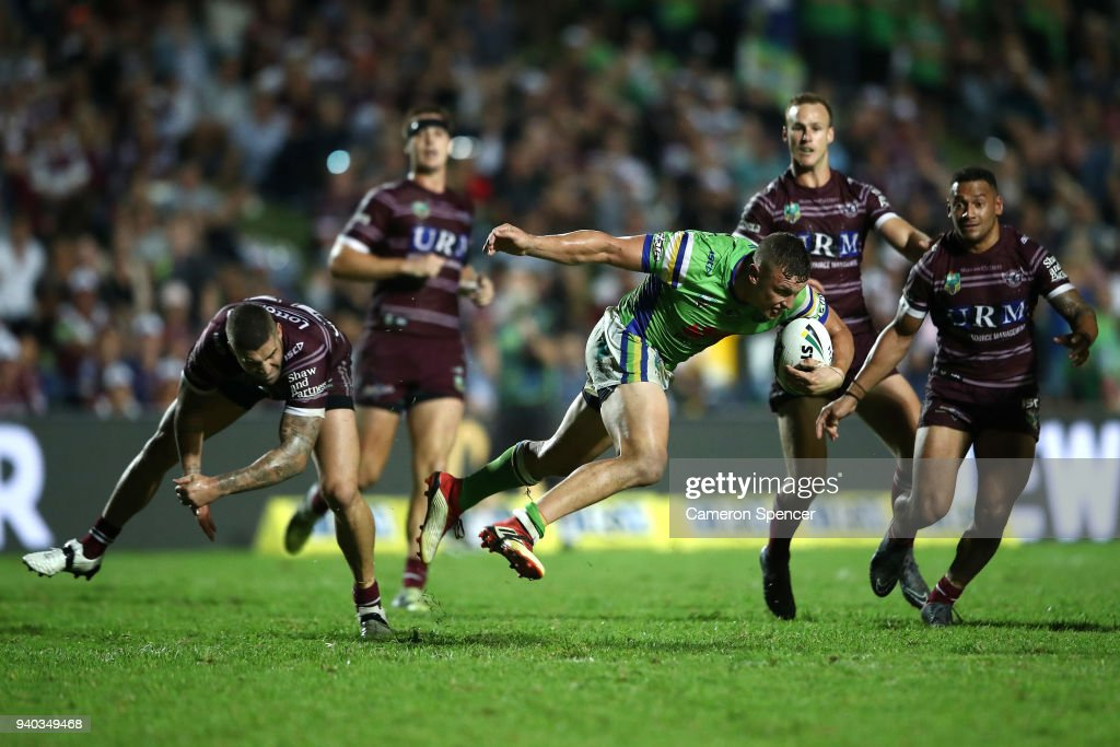 Jack Wighton of the Raiders runs the ball during the round four NRL match between the Many Sea Eagles and the Canberra Raiders at Lottoland on March 31, 2018 in Sydney, Australia.