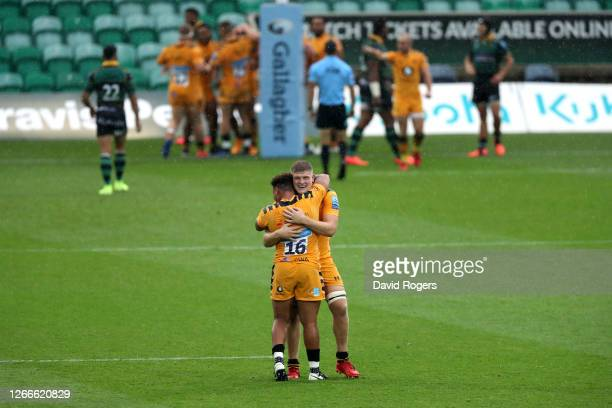 Jack Willis and Gabriel Oghre of Wasps celebrate after Josh Bassett of Wasps scores his side's fourth try during the Gallagher Premiership Rugby...