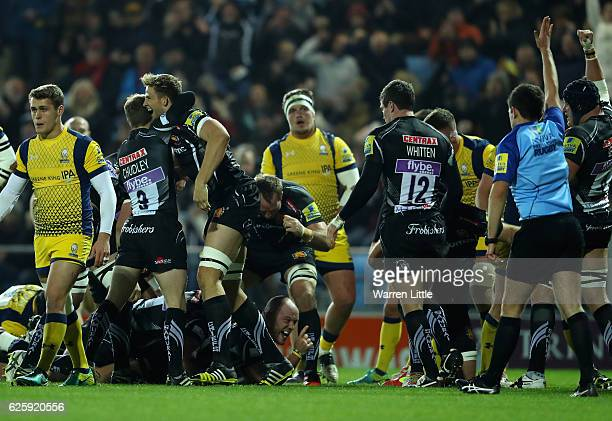 Jack Yeandle of Exeter Chiefs dives over to score the opening try during the Aviva Premiership match between Exeter Chiefs and Worcester Warriors at...