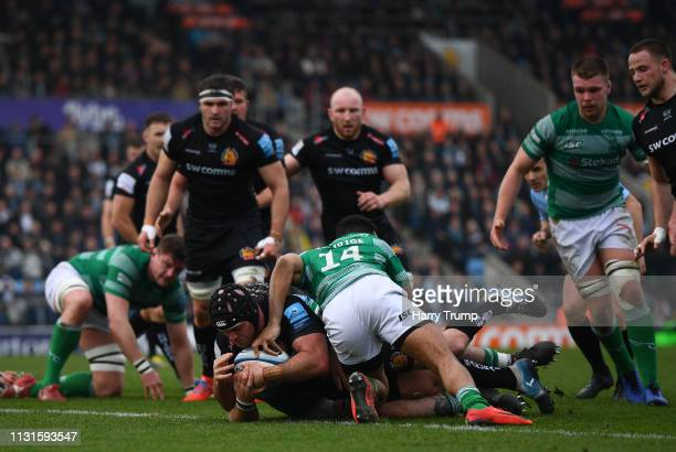 Jack Yeandle of Exeter Chiefs scores his sides second try during the Gallagher Premiership Rugby match between Exeter Chiefs and Newcastle Falcons at...