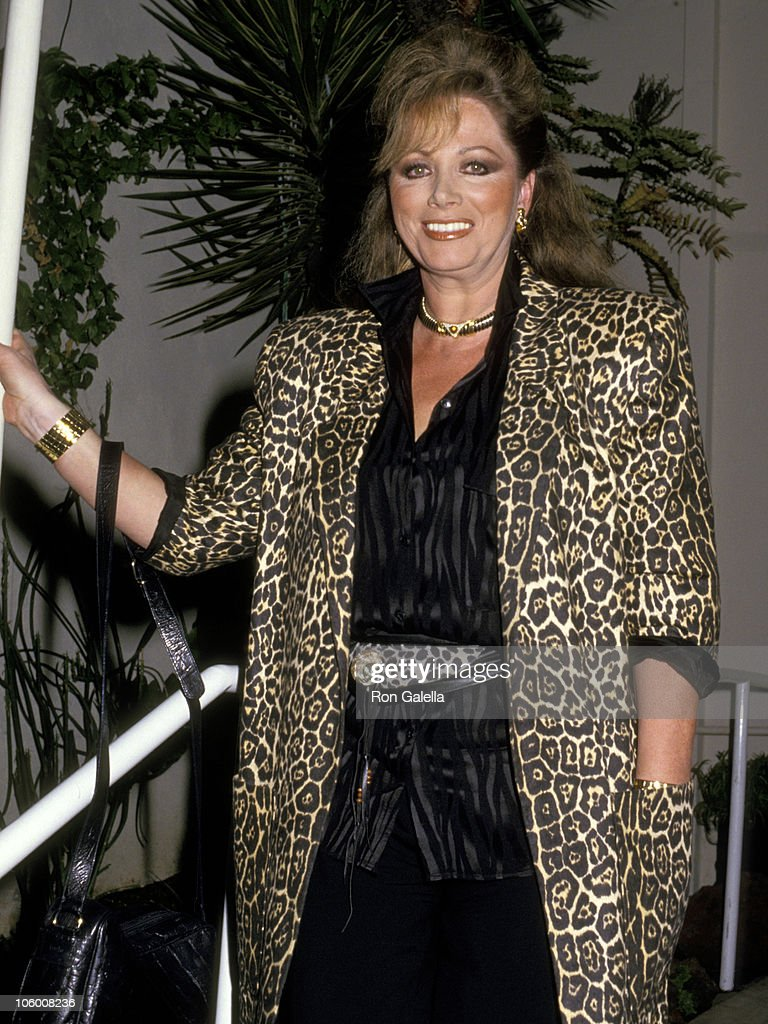 Jackie Collins at Spago in Hollywood - March 11, 1987 : Fotografía de noticias