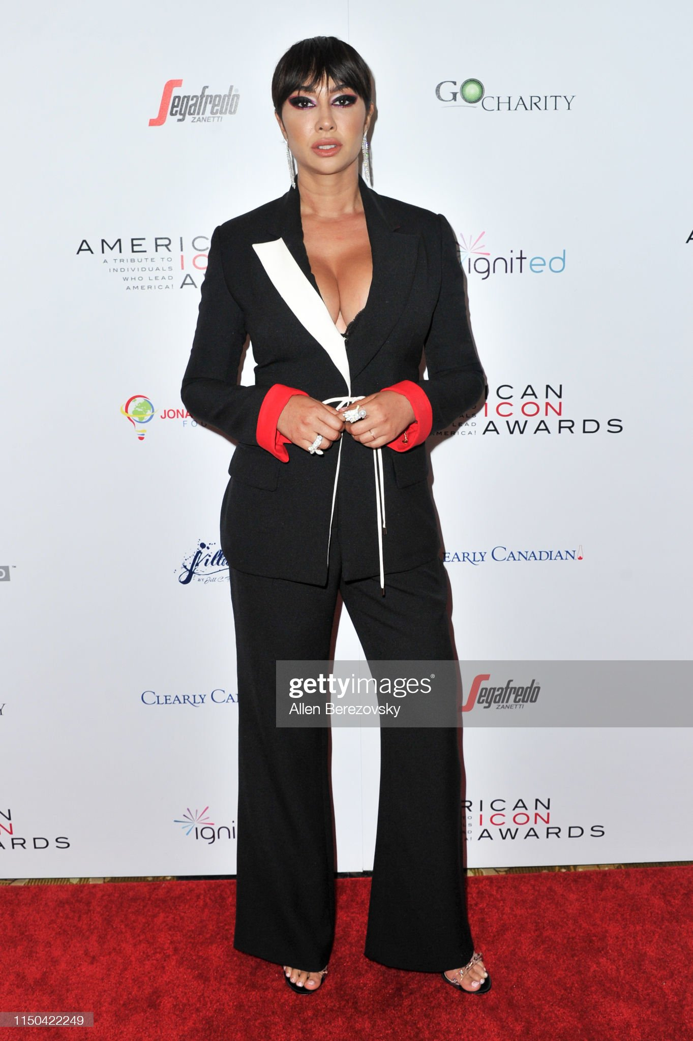 ¿Cuánto mide Jackie Cruz? - Altura - Real height Jackie-cruz-attends-the-american-icon-awards-at-the-beverly-wilshire-picture-id1150422249?s=2048x2048