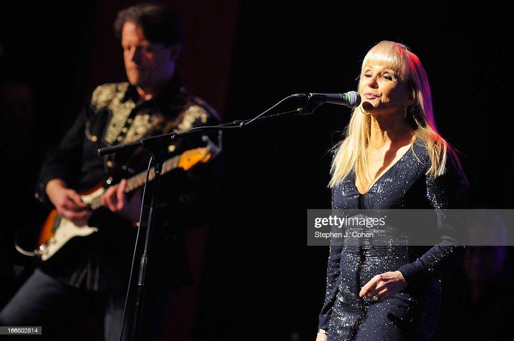 Shannon Singer 2013