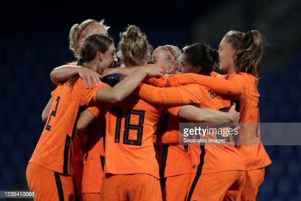 Jackie Groenen of Holland Women celebrates 0-2 with Aniek Nouwen of Holland Women, Sisca Folkertsma of Holland Women, Lineth Beerensteyn of Holland...
