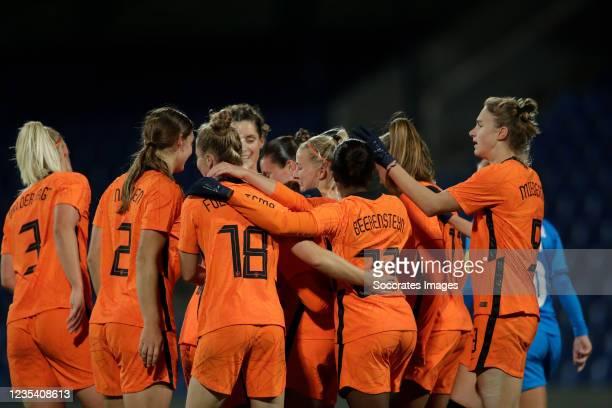 Jackie Groenen of Holland Women celebrates 0-2 with Stefanie van der Gragt of Holland Women, Aniek Nouwen of Holland Women, Sisca Folkertsma of...