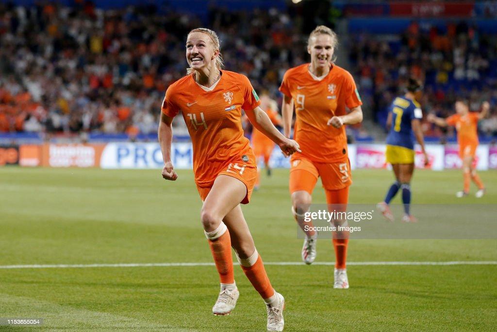 Holland  v Sweden  -World Cup Women : News Photo