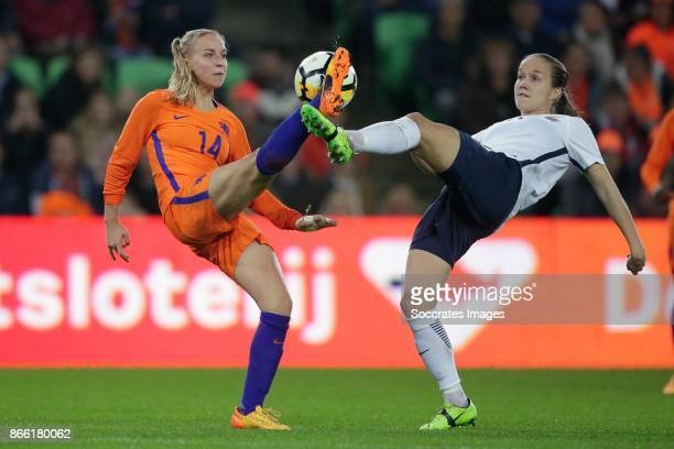 Jackie Groenen of Holland Women Guro Reiten of Norway Women during the World Cup Qualifier Women match between Holland v Norway at the Noordlease...