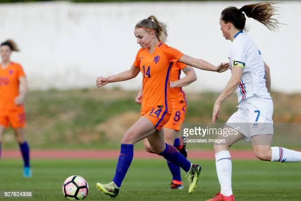 Jackie Groenen of Holland Women Sara Bjork Gunnarsdottir of Iceland Women during the Algarve Cup Women match between Iceland v Holland at the Estádio...