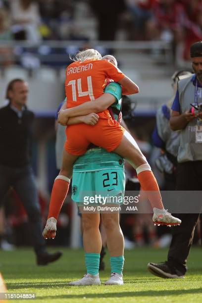 Jackie Groenen of the Netherlands and Loes Geurts of the Netherlands celebrate victory after the 2019 FIFA Women's World Cup France group E match...