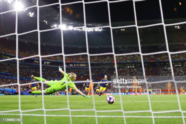 Jackie Groenen of the Netherlands scores her team's first goal during the 2019 FIFA Women's World Cup France Semi Final match between Netherlands and...