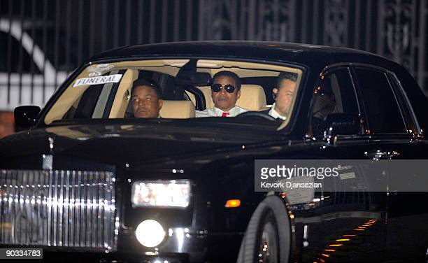 Michael Jackson Laid To Rest Stock Photos And Pictures Getty Images
