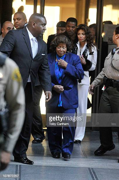 Jackie Jackson Katherine Jackson LaToya Jackson and Jermaine Jackson leave the preliminary hearing for Dr Conrad Murray on January 5 2011 in Los...