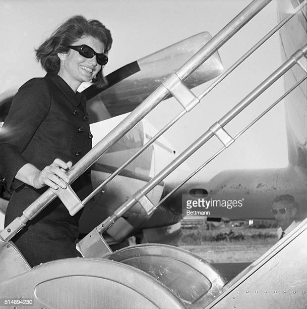 Jackie Kennedy boards a plane in Philadelphia on June 17 1964 Kennedy widow of the late President John F Kennedy consulted with architect Louis Kahn...