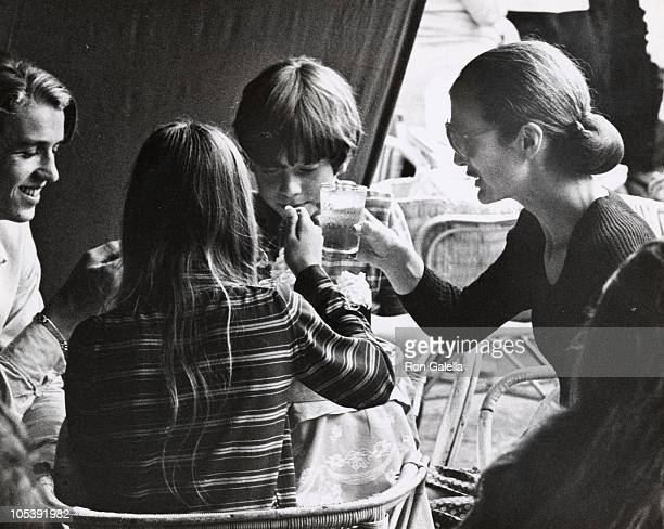 Jackie Kennedy Onassis and her Niece and Nephew during Jackie Kennedy and Family Shopping in Capri August 24 1970 in Capri Italy