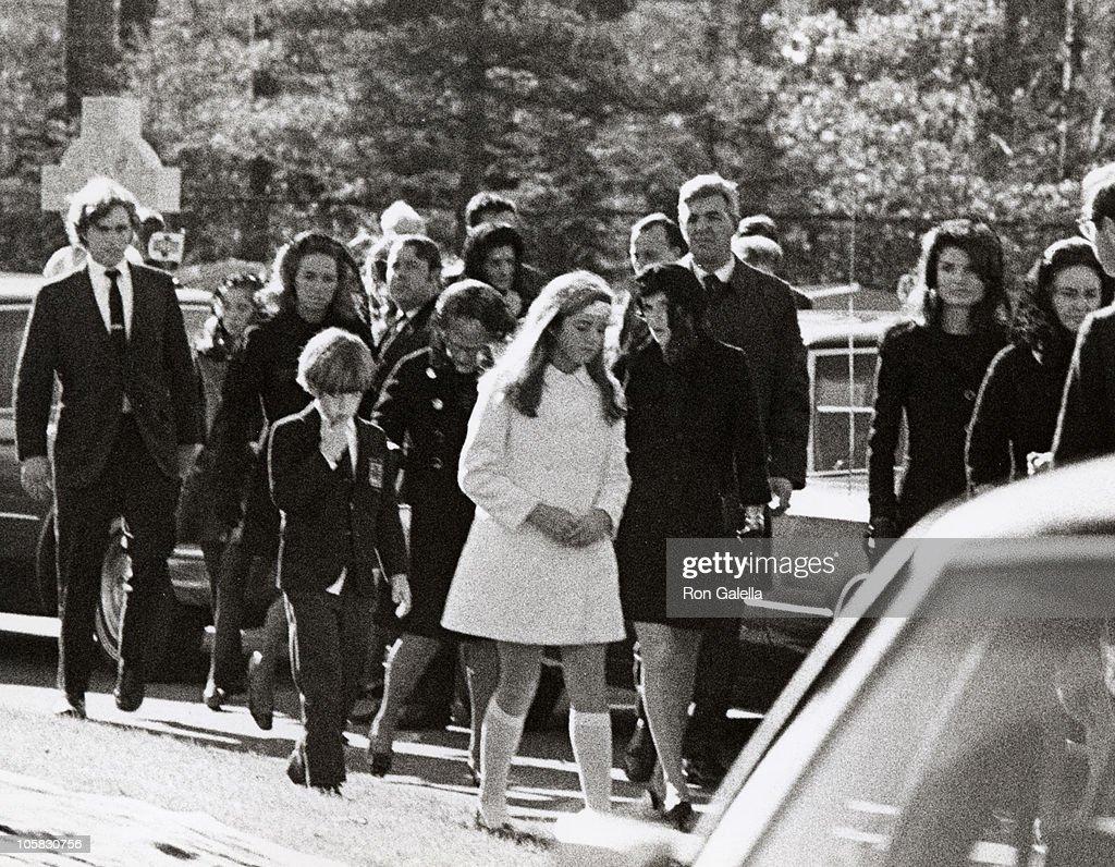 Jackie Kennedy Onassis, Caroline Kennedy, John F  Kennedy Jr