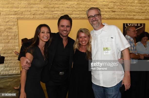 Jackie Marushka with Marushka Media singersongwriter Charles Esten Patty Hanson and Scott Heuerman with BubbleUp take photos for Charles Esten's...