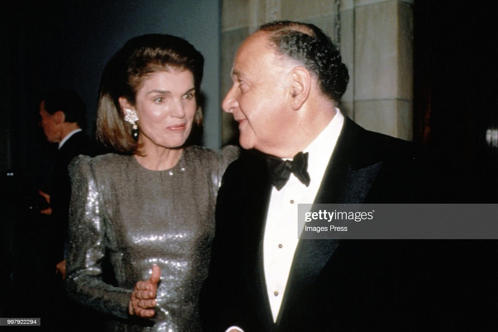 Jackie Onassis and Maurice Templesman... : News Photo