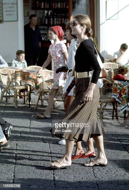 Jackie Onassis during Jackie Kennedy and Family Shopping in Capri August 24 1970 in Capri Italy