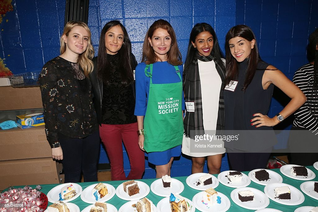 Jackie Shafiroff, Simona Jokikj, Jean Shafiroff, Shameda Shah and Paoula Ruaba attend the Jean Shafiroff & Jay Moorhead Underwrite Annual Community Thanksgiving Dinner at NYC Mission Society at Minisink Townhouse on November 17, 2016 in New York City.