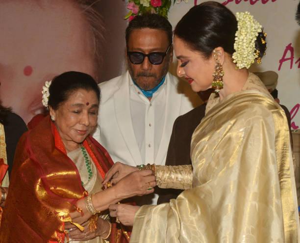 Jackie Shroff Rekha and Asha Bhosle at the Yash Chopra Memorial Award 2018 in Mumbai