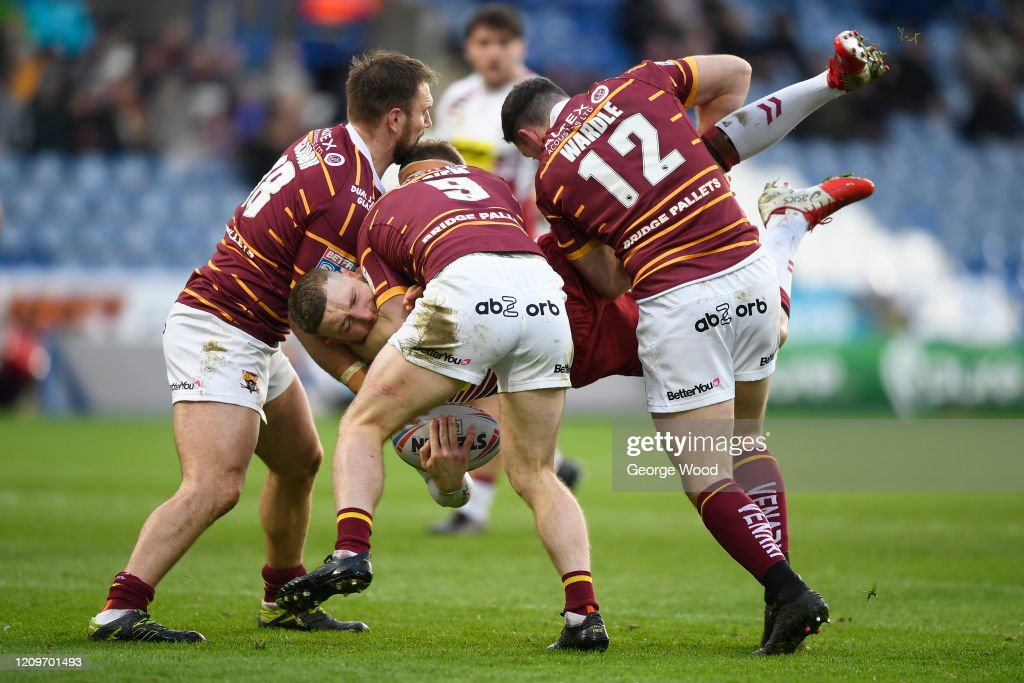 Huddersfield Giants v Wigan Warriors - Betfred Super League : ニュース写真
