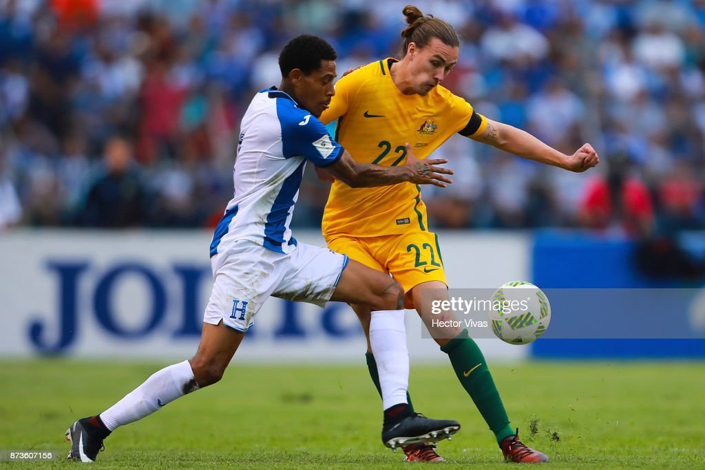 Jackson Irvine of Australia struggles for the ball with Henry Figueroa of Honduras during a first leg match between Honduras and Australia as part of FIFA World Cup Qualifiers Play Off at Estadio Olimpico Metropolitano on November 10, 2017 in San Pedro Sula, Honduras.