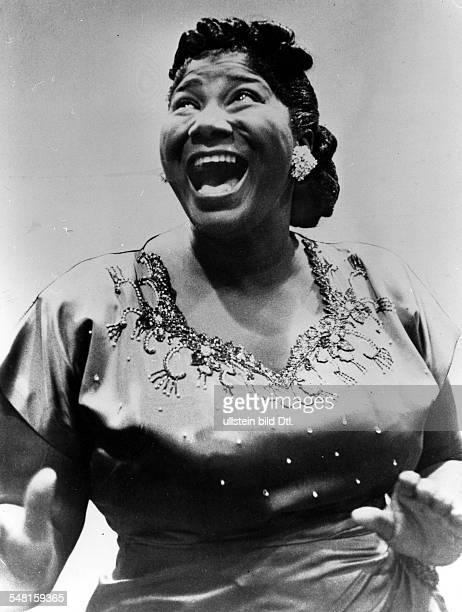 Jackson Mahalia * Gospelsaengerin USA Halbportrait 1960
