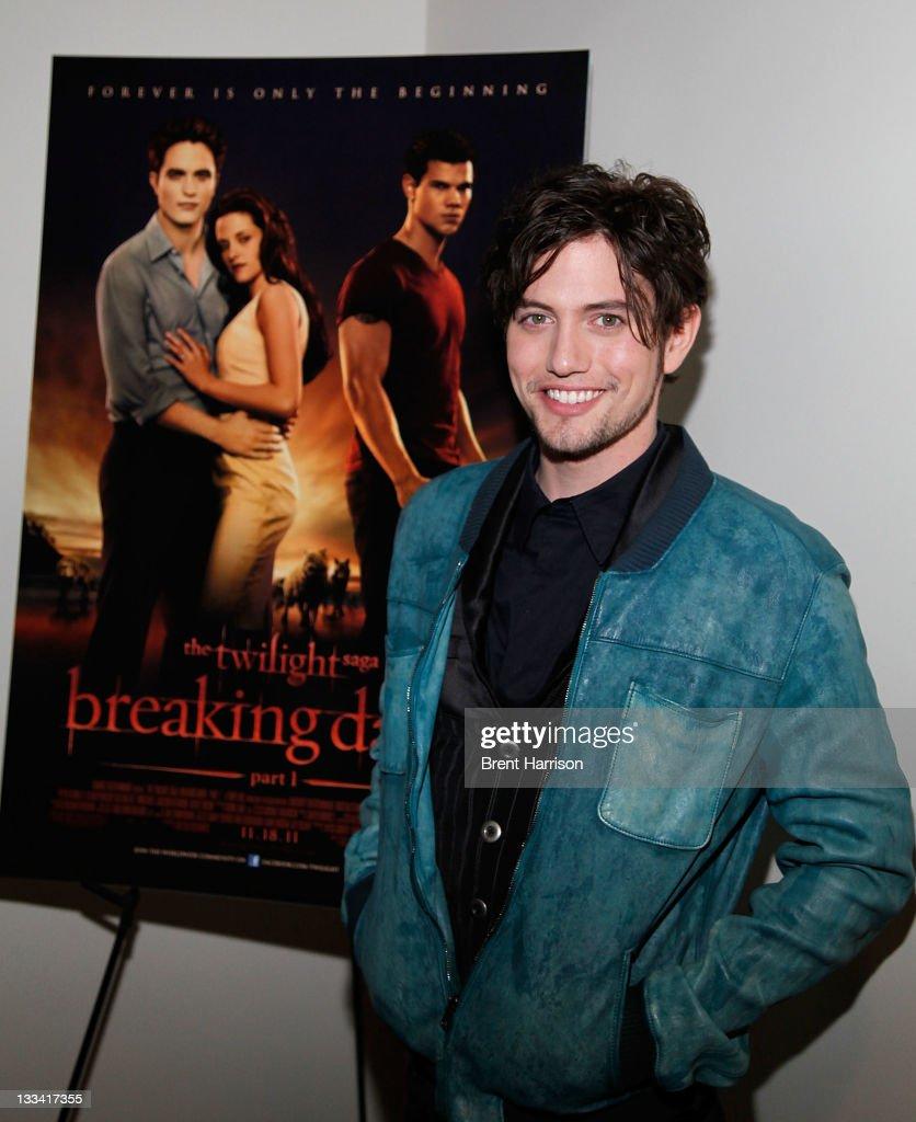 """Jackson Rathbone Surprises Fans At """"The Twilight Saga: Breaking Dawn Part 1"""" Opening Night Screening"""