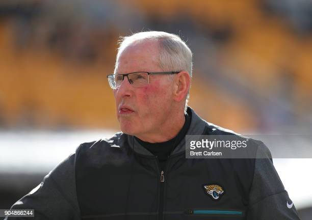 Jacksonville Jaguars executive vice president of football operations Tom Coughlin watches warmups before the AFC Divisional Playoff game against the...