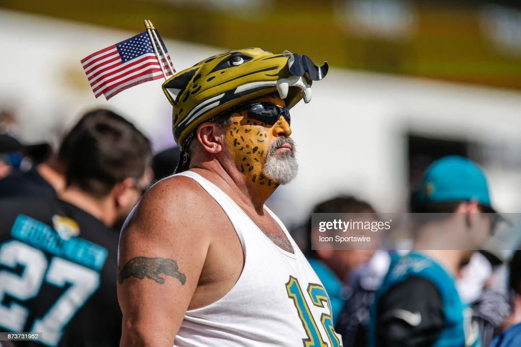 NFL: NOV 12 Chargers at Jaguars : News Photo