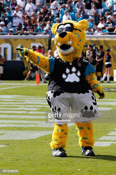 Jacksonville Jaguars mascot Jaxson de Ville performs during the game between the Jacksonville Jaguars and the Cleveland Browns at EverBank Field on...