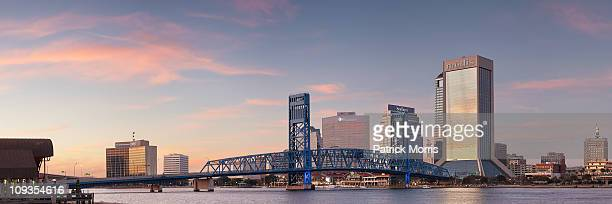 jacksonville riverwalk sunset - jacksonville florida stock pictures, royalty-free photos & images