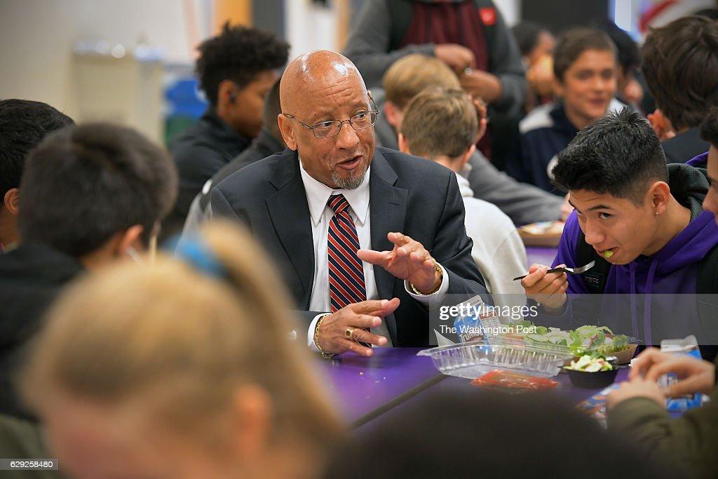 Nutrition director transforms school lunches in Fairfax County : Nachrichtenfoto