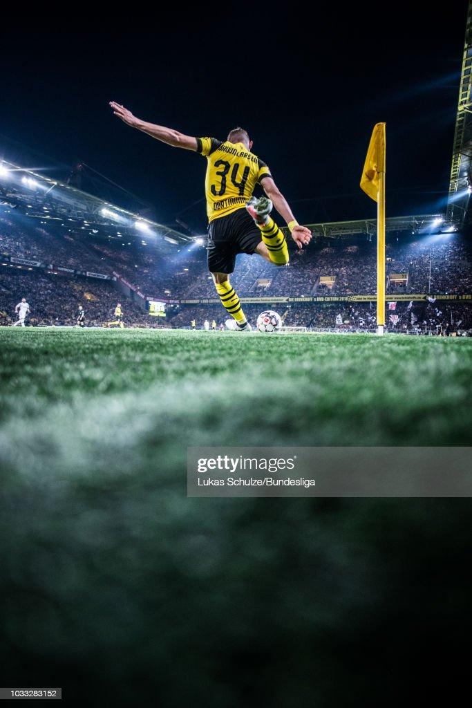 Jacob Bruun Larsen of Dortmund kicks a corner during the Bundesliga match between Borussia Dortmund and Eintracht Frankfurt at Signal Iduna Park on September 14, 2018 in Dortmund, Germany.