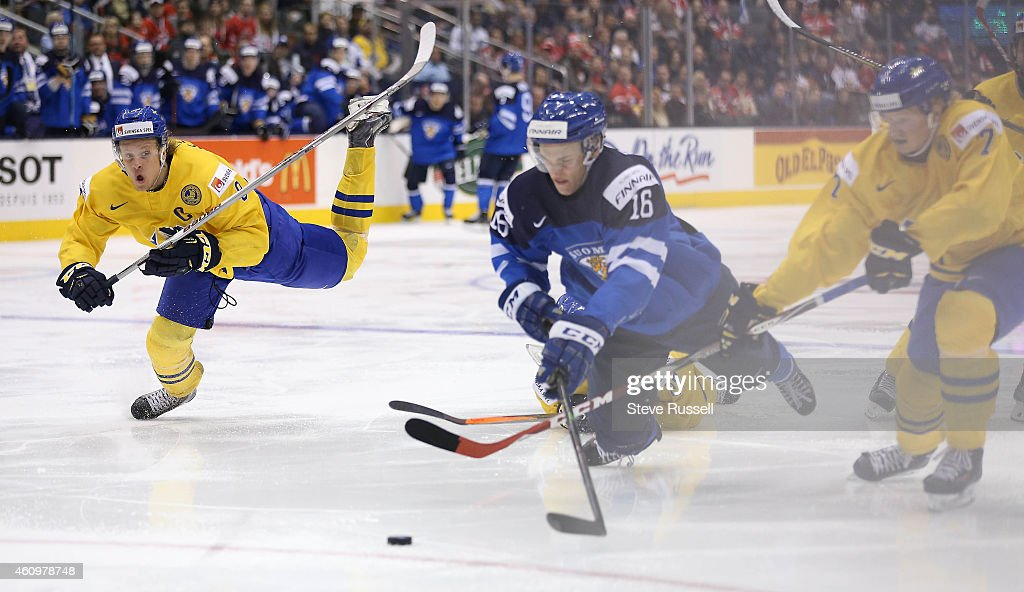 Team Sweden beats Finland 6-3 in the quarter final round of the IIHF World Junior Hockey Tournament : News Photo