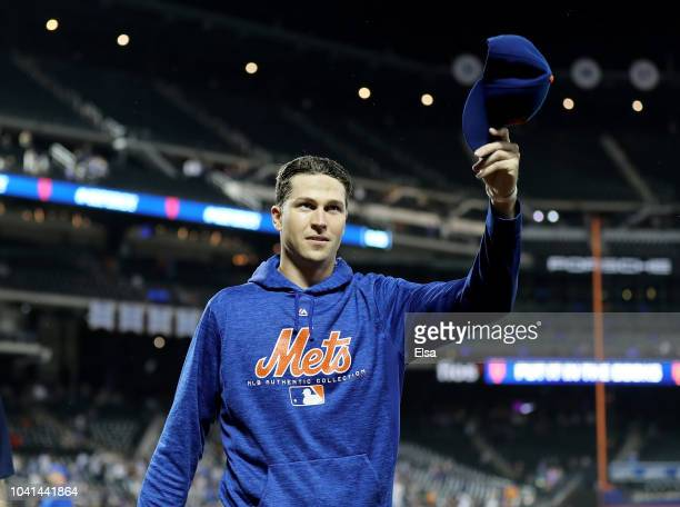 Jacob deGrom of the New York Mets salutes the fans after the 30 win over the Atlanta Braves on September 262018 at Citi Field in the Flushing...