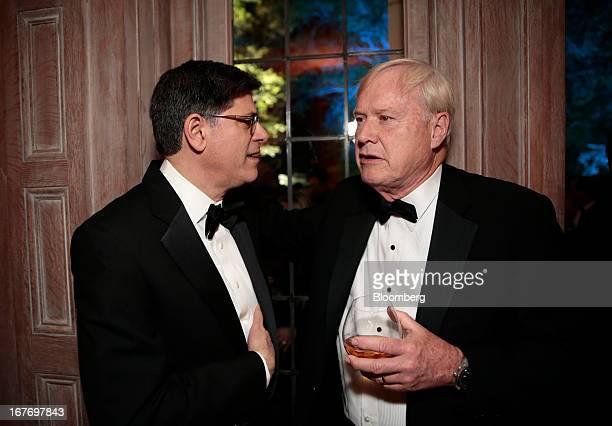 Jacob Jack Lew US treasury secretary left and MSNBC television host Chris Matthews attend the Bloomberg Vanity Fair White House Correspondents'...