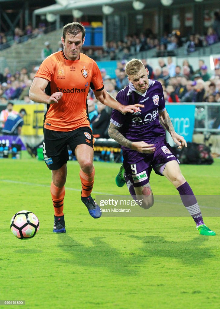 Jacob Pepper #8 of the Roar and Andrew Keogh #9 of the Glory during the round 26 A-League match between the Perth Glory and Brisbane Roar at nib Stadium on April 8, 2017 in Perth, Australia.