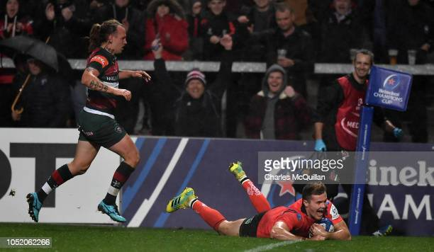 Jacob Stockdale of Ulster scores a try during the Champions Cup match between Ulster Rugby and Leicester Tigers at Kingspan Stadium on October 13...