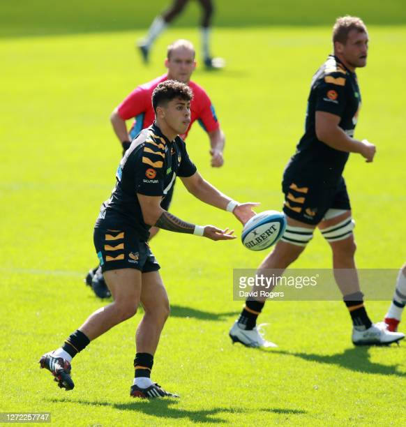Jacob Umaga of Wasps passes the ball during the Gallagher Premiership Rugby match between Wasps and Bristol Bears at the Ricoh Arena on September 13...