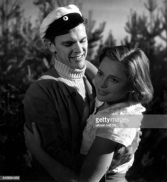 Jacobsen Ulla Actress Sweden * Scene from the movie 'Hon dansade en sommar'' with Folke Sundquist Directed by Arne Mattson Sweden 1951 Produced by...