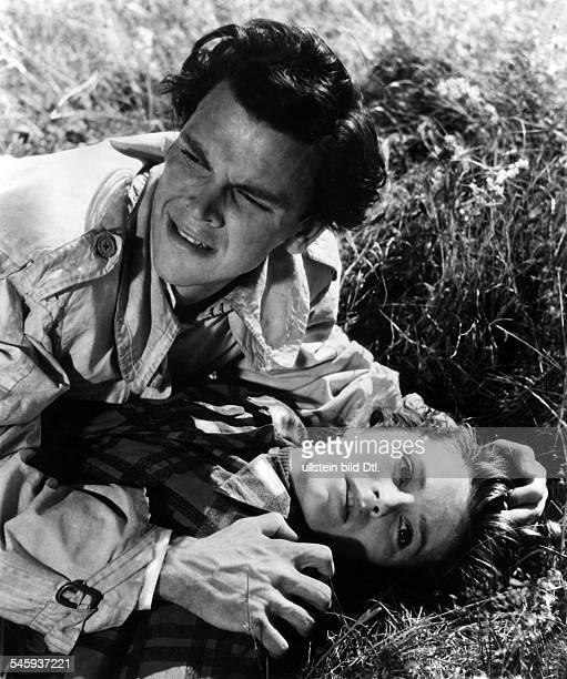 Jacobsson Ulla Actress Sweden * Scene from the movie 'Hon dansade en sommar'' with Folke Sandquist Directed by Arne Mattsson Sweden 1951 Vintage...