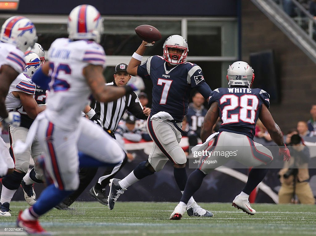 Jacoby Brissett #7 of the New England Patriots looks to pass in the second half against the Buffalo Bills at Gillette Stadium on October 2, 2016 in Foxboro, Massachusetts.