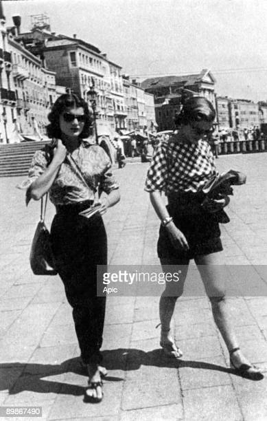 Jacqueline Bouvier and her sister Caroline Lee Bouvier in Venice 1951